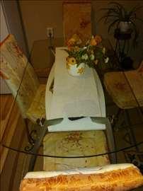Trepezarijski stakleni sto