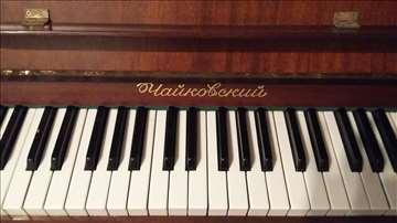 Prodajem pianino Čajkovski