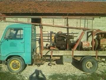 Na prodaju mašina za otvaranje bunara