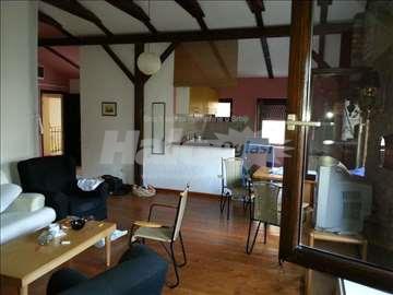 Izdajem namješten stan u Kosovskoj, Beograd