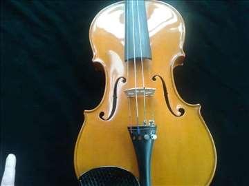 Prodajem majstorsku violinu