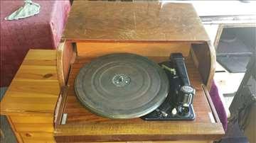 Gramofon iz 1953.godine