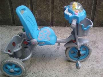 Prodajem dečiji tricikl