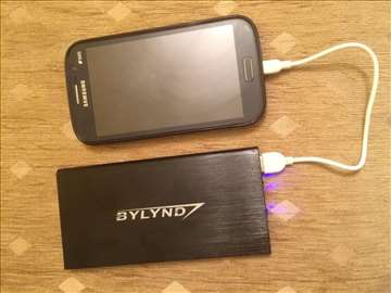 Eksterna baterija