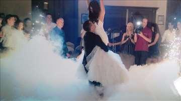 Suvi led, torte u dimu, venčanja, prskalice