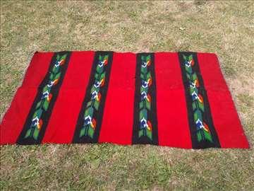Na prodaju ćilimi ručno tkani