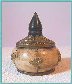 Tibetanska činijica