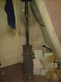 Mašina za ukivanje štikli