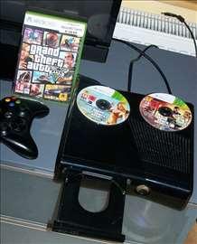 Xbox 360 + GTA5 + kontroler + oprema
