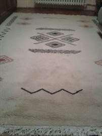 Lep i očuvan tepih
