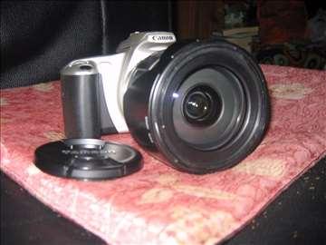 Canon EOS 300 sa Tamron zum objektivom