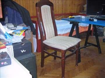 Stolica u izvrsnom stanju