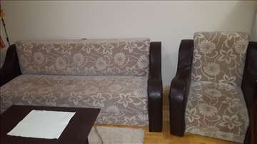 Prodajem kauč i fotelju