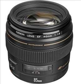 Objektiv Canon 85 / F18 USM lens EF