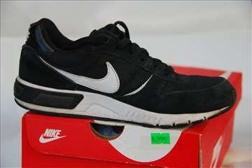 Nike, Nightgazer, br 38 crno-bele