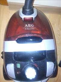 Polovan AEG usisivač na prodaju
