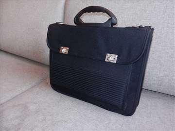 Poslovna laptop torba 42x31x15cm, idealna kao manj