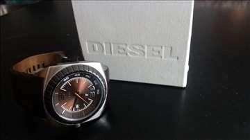 Prodajem sat - Diesel (DZ1275)