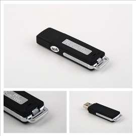 Prisluškivač dugo snima (USB Flash)