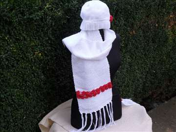 Ručno tkani pleteni šalovi i kape