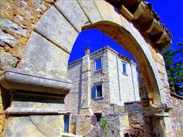 Unikatna vila 300 godina stara, kod Pule