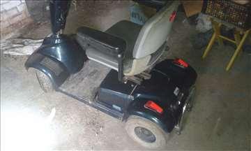 Elektromotorni skuter za slabo pokretne osobe