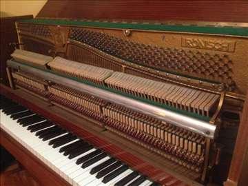 Pianino nemačke marke Ronisch
