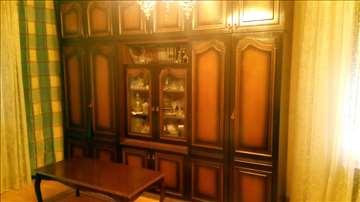 Dva ormana i vitrina i klub stocic