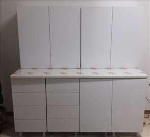 Nova kuhinja, bela iverica visoki sjaj
