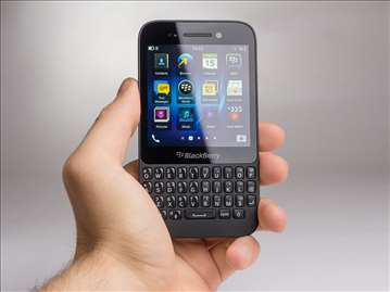 Telefon Blackberry Q5