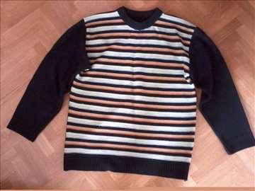 Prugast džemper. Vel. L