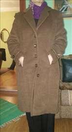 Nov ženski kaput, 42