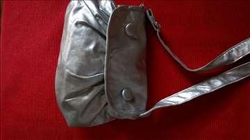 Mala srebrna tašnica