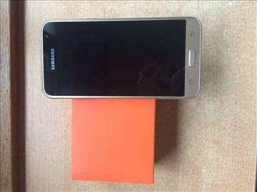 Samsung J3, nov