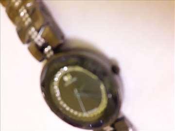 Swarovski sat, novo oštećeno!