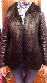 Novo, crna jakna sa bogatim krznom
