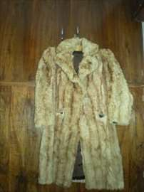 Prava vredna bunda, svetlobraon boje, korišćena