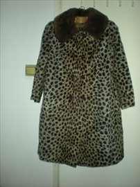 Veštačka bunda imitacija leoparda,kragna od krzna