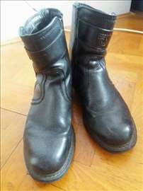Muške crne kožne čizme