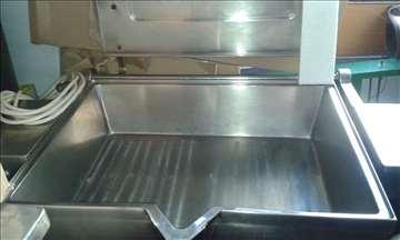 Oprema za prenos i spremanje hrane.