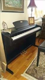 Električni klavir Suzuki, polovan