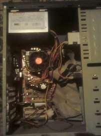 Komplet računar