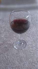 Kvalitetno domaće kupinovo vino