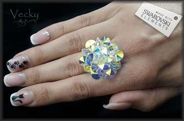 Prsten od rodijuma sa swarovski  kristalima AB