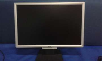 "Intel Quad 2.5GHz 3GB Ram 9600GT 22"" Monitor"