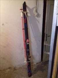 Skije Elan E 300, 180cm dužine, sa štapovima