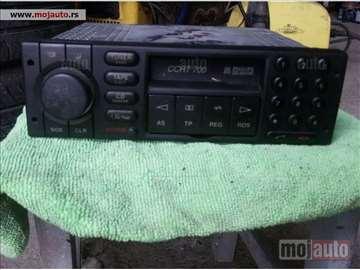 Fabrički Opelov kasetofon CAR 700