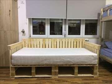 Kreveti od paleta