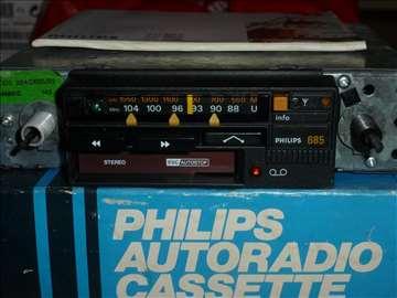 Nov Philips auto kasetofon za Oldtajmere