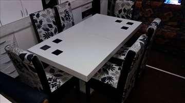 Elegant stil i savršenstvo sto i stolice
